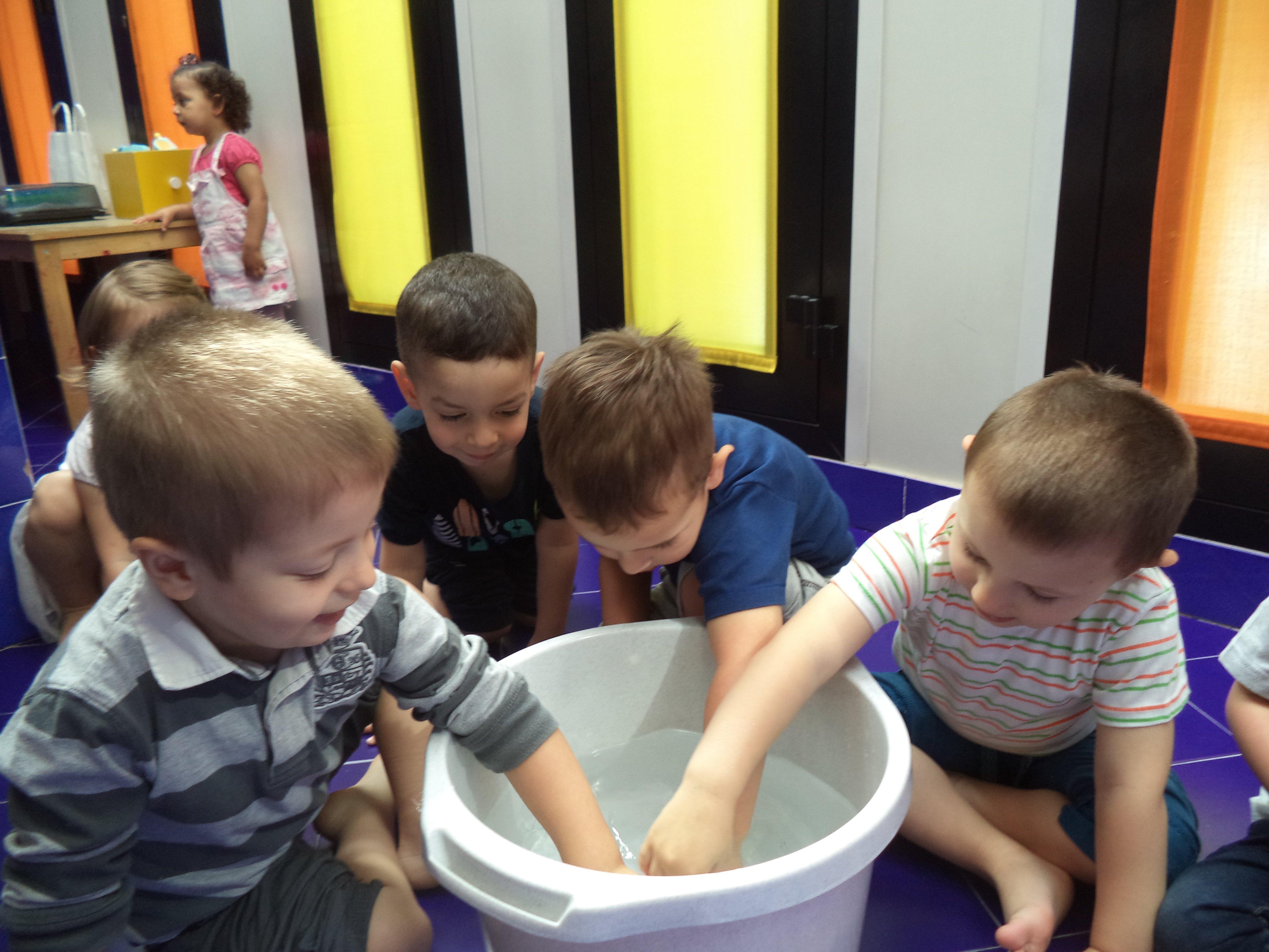 Bagno asilo nido altrospazio specifico per bambini grandi - Bagno per bambini ...
